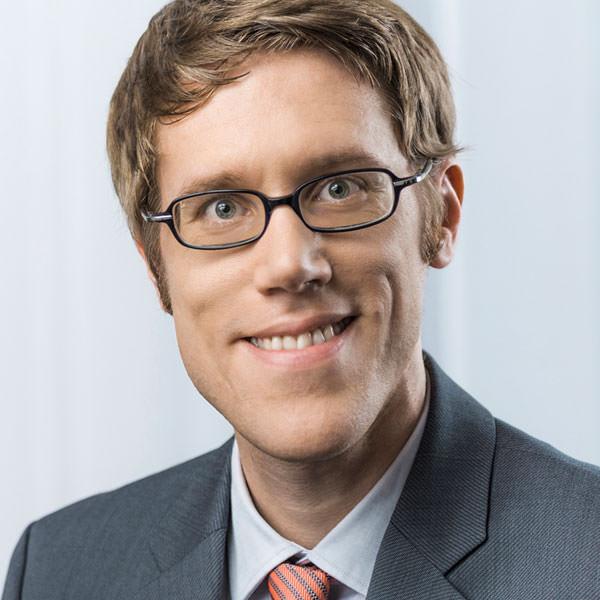 Dr. Peter Koelen
